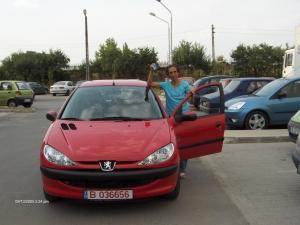 onomastica. Camay i-a adus unei bucurestence un Peugeot 206 de ziua onomastica