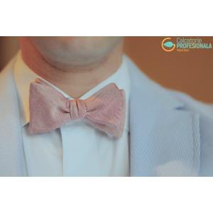 Primăvara aceasta, Calcatorie.ro acorda clienților oferte speciale pentru ținute impecabile