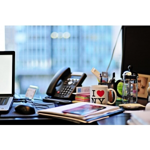 elog ro. Magazinul eLog.ro cauta oameni creativi pe facebook!
