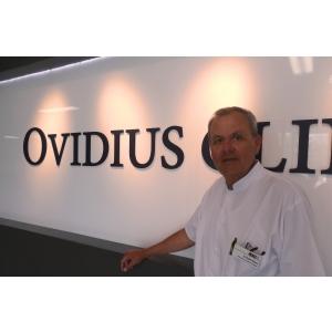 endoprotezare. Dr. Eugen Rubeli, medic primar ortopedie- trumatologie, şeful secţiei de ortopedie din cadrul OCH