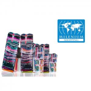 en-gross. Societatea comerciala Milenium Shopping S.R.L. a fost infintata in anul 2002 si are ca principal obiect de activitate importul sortatarea si comercializarea hainelor second – hand.