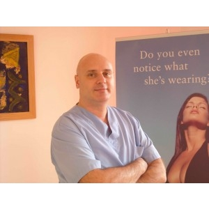 Dr.Eugen Turcu , medic primar chirurgie plastica-estetica,Doctor in Medicina